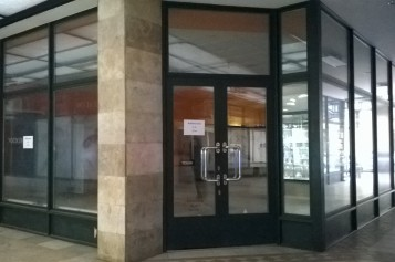 Üzlethelyiség kiadó – Kossuth tér 6-7.